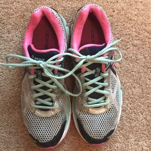 ASICS GT 2000 2A Running Shoes